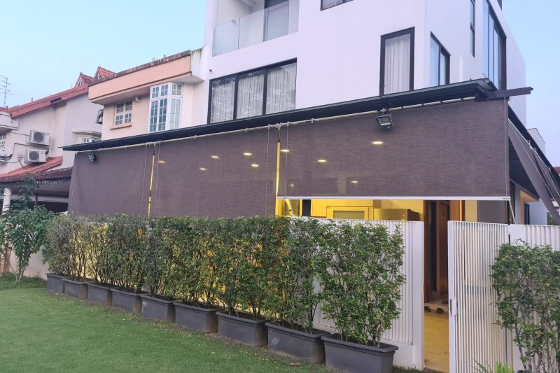 Outdoor Roller Blinds with Side Guides